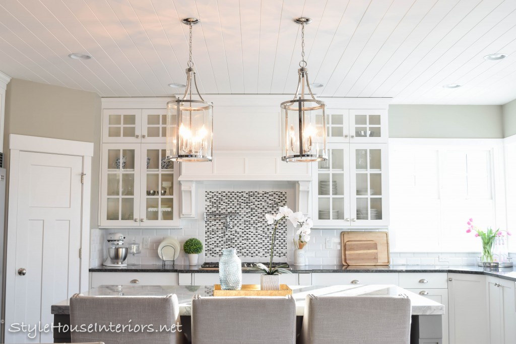 How To Figure Spacing For Island Pendants Style House Interiors - Large island pendants