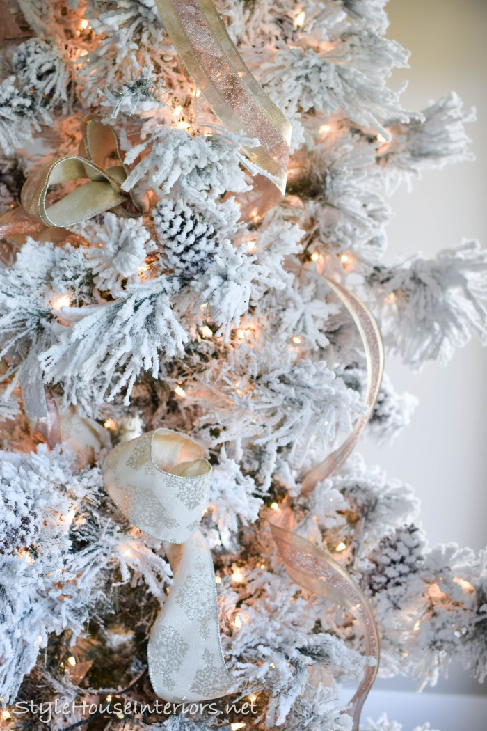 how to add ribbon to your christmas tree