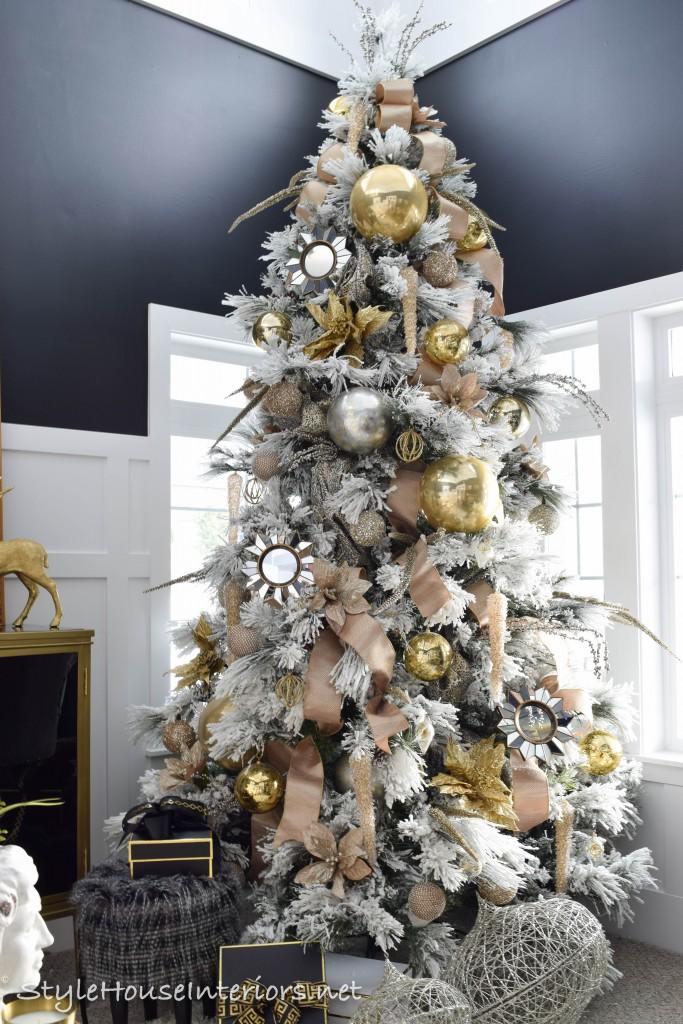 Black and Gold Christmas decor