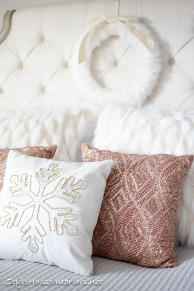 masterbedroom-christmas- Changing pillows for the Holidays