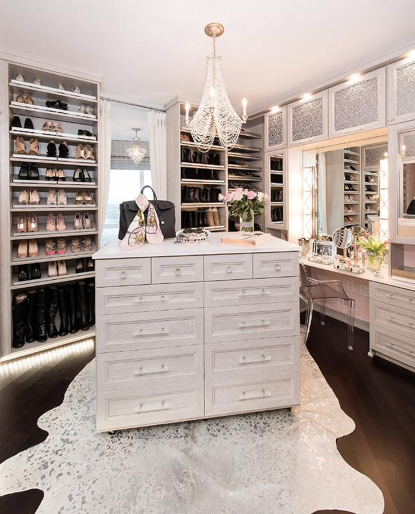 Walk in closet Diy What Perfect Closet Looks Like 15 Beautiful Walk In Closet Ideas Style House Interiors Homedit What Perfect Closet Looks Like 15 Beautiful Walk In Closet Ideas