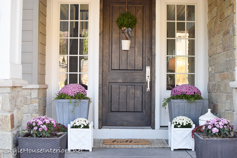 A Fresh Approach to Fall Porch Decor