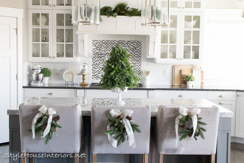 Modern Florals Fresh vs Faux- How To Incorporate Both Real and Faux Flowers in your Christmas decorating